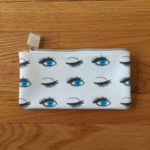 Rodan + Fields cosmetic bag